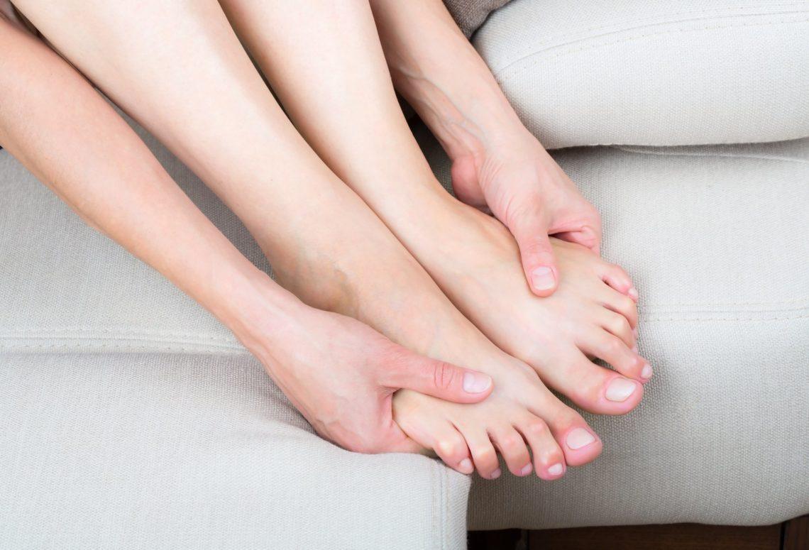 Почему во время сна немеют руки и ноги