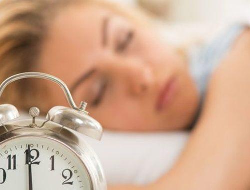 Все время хочется спать и усталость, причины у женщин