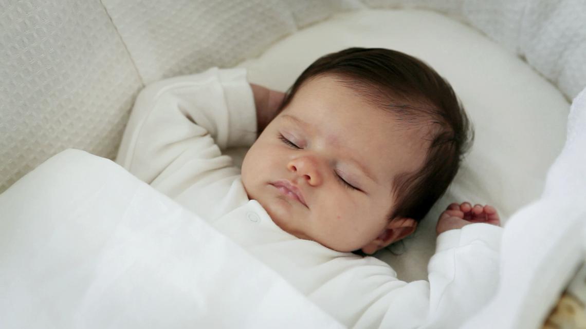 Каковы особенности сна у младенца