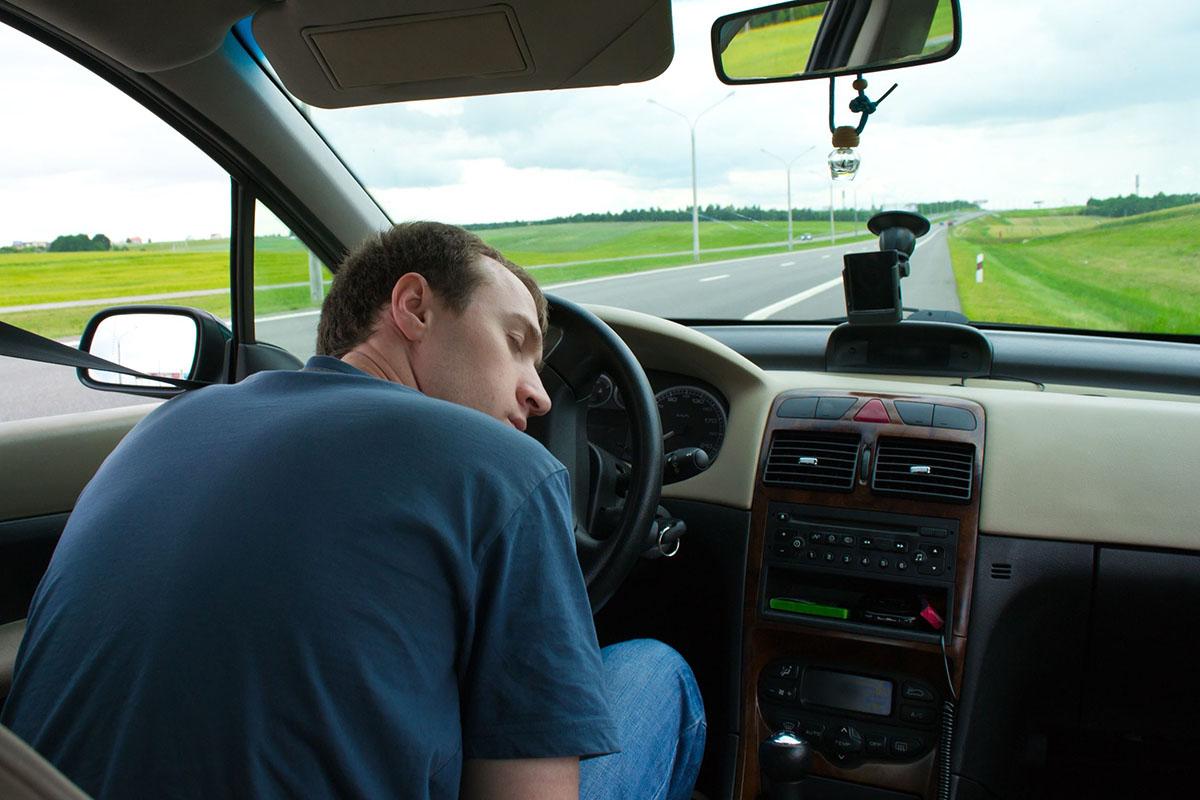 них картинка водитель спит за рулем наш автоматный малоимпульсный