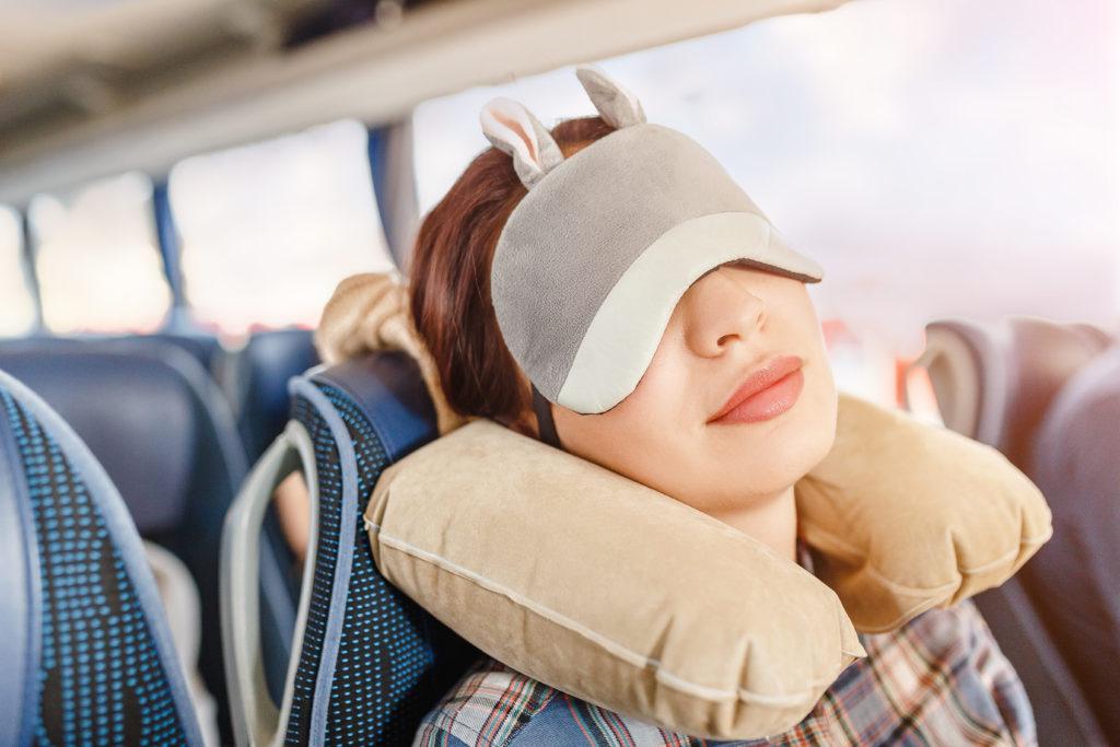 Как спать сидя