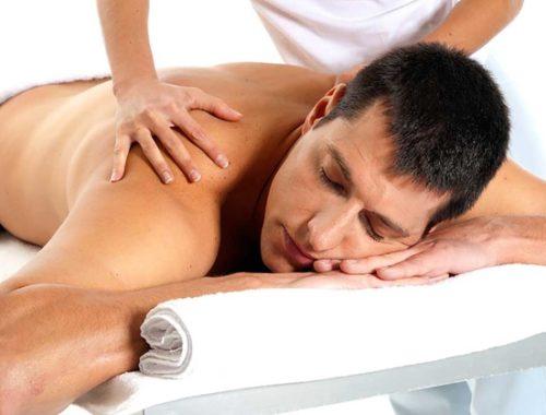 Чем помогает расслабляющий массаж перед сном