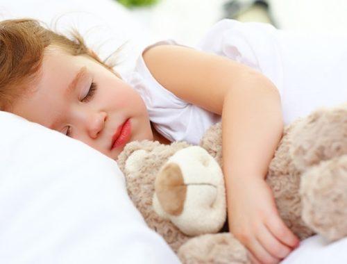 На какой подушке спать детям